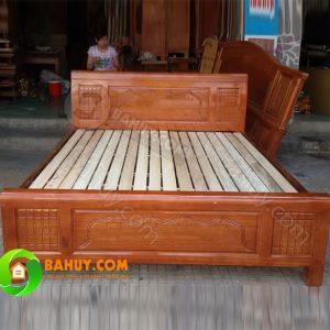 Thanh lý giường gỗ xoan tự nhiên mới